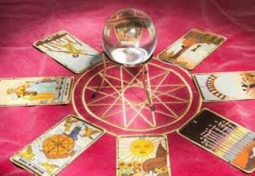 Diferenças entre cartas de tarot e videntes
